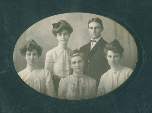 Ellen Frantz Merriman and children, circa 1900
